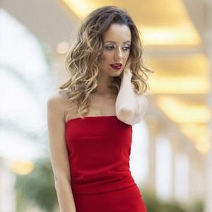 Вечерние платья Nicole Bakti